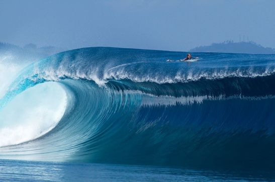 sean-woolnough-surfing-fiji_71832_990x742