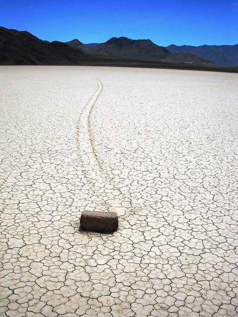 roaming rock at Racetrack Playa